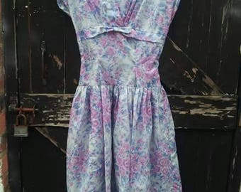 Pretty 1940s/50s nylon rose printed Summer prom/party dress doesn't have an opening just more marerial at waist that you can