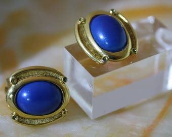 Stunning Vintage Trifari Oval Blue Lapis Art Deco Clip on Earrings