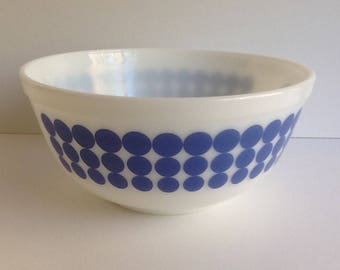 "Mid Century PYREX ""New Dots"" #403 Mixing Bowl"
