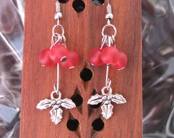 Silver Holly Leaves With Red Berries Earring Set - Item Number 5485