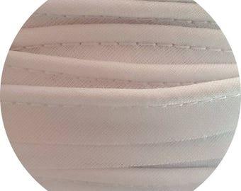 Piping - meter - white