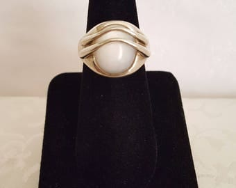 Mother of Pearl and Sterling .925 Silver Designer Ring -EB684