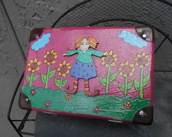 Vintage young child lunch pail with a sense of character Marketed in UK