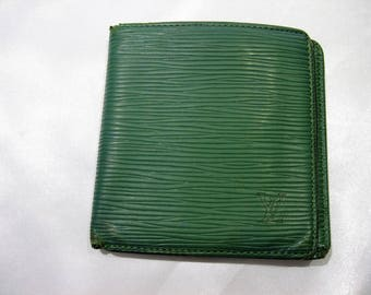 Vintage Louis Vuitton Epi Bifold Wallet in Green MI0872
