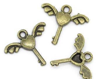 30 keys 17 * 14 mm bronze color wings charms