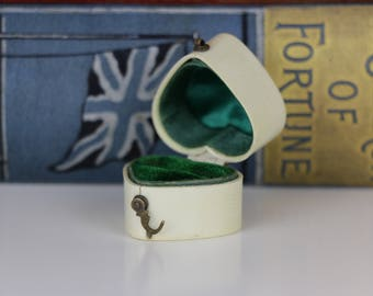 Vintage White Ring Box Heart Shaped with Green Interior