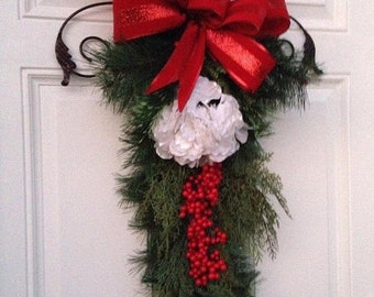 CHRISTMAS DOOR SWAG , Wreath Alternative Decor , Christmas Wreath , Christmas Swag , Holiday Wreath , Holiday Decor , Seasonal Holiday Decor