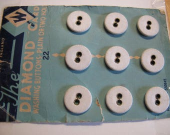 9 linen   rare white  1920's to 1930's buttons on original card   15 mm  200617/15
