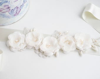 Ivory Bridal Sash, Ivory Flower Wedding Sash, Bridal Sash, Light Ivory Belt,Flower Belt, Wedding Dress Sash, Vintage sash, Lace Bridal Sash