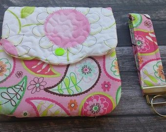Quilted wristlet with detachable key fob - cell phone purse - quilted purse -pink paisley fabric!