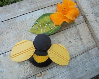 Folk Art Bumble Bee Yard Garden Decor Home Wooden Body