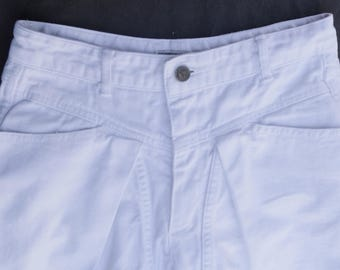 Vintage USA 1980's Iconic GUESS White Denim JEANS George Marciano drop Yoke-- High Waisted Sz 28.5