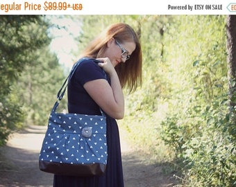 CHRISTMAS SALE Conceal Carry Purse, Medium Messenger Bag, Navy Triangles, Conceal Carry Handbag, Concealed Carry Purse, Conceal and Carry, N