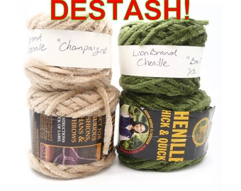 10oz CHENILLE Lion Brand Thick & Quick Yarn. Champaigne and Basil colors. You'll get exactly the items in the first picture! From my stash.