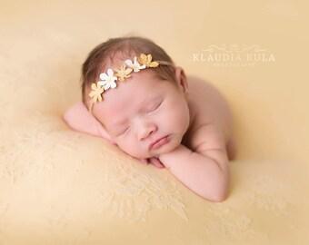 Daisy Tieback. Newborn Tieback. Spring Tieback. Yellow Flower Headband. Photo Prop.UK Seller