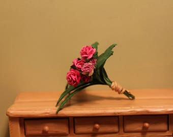 DOLLHOUSE MINIATURE Bouquet of Pink Roses, 1:12 Scale