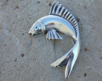 Large Vintage Sterling Silver Curled Swimming Fish Pin / Brooch - 17 Grams