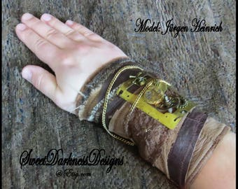 SteamPunk Cuff - Industrial Wrist Cuff - Post Apocalyptic Cuff Leather Brass gears