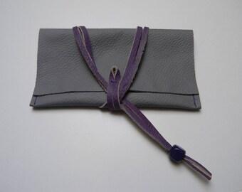 Clutch grey leather lace closure
