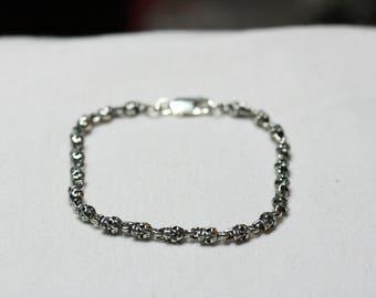 """8"""" Vertical Silver skull bracelet"""