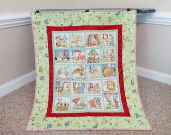 QUILTED*ABC Toddler Quilt, ABC Baby Quilt, Alphabet Quilt, Alphabet Toddler Quilt, Alphabet Baby Blanket, Alphabet Wall Haning, Animal Quilt