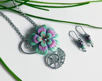 Flowery necklace, green minth and soft pink flower, Flower pendant and earrings