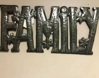 Family Iron Sign HHL73