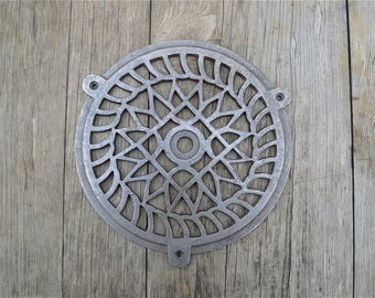 Fantastic large round cast iron victorian style grill air vent cover 8 inch diameter HX1