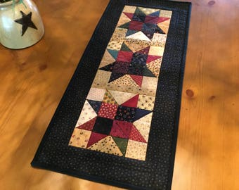 Quilted Table Runner / Country Decor / Primitive Decor / Handmade / Item #2088