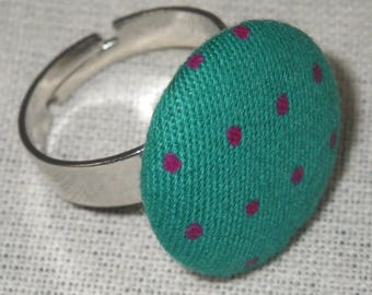 Bague098 - Silver ring fabric green with Fuchsia dots