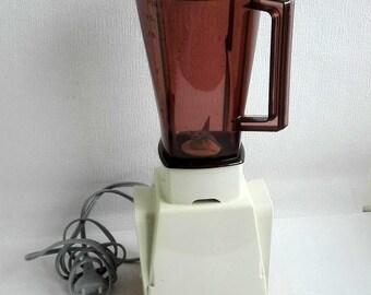 MOULINEX, Vintage Blender, Made in France, Retro 1970's Model 276, Orange, Almond , Original Box.