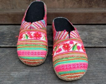 Clogs, Hmong Clogs, Slip ons, women's shoes, thailand, thai cotton, embroided, traditional, boho, ethnic wear,hippie,bohemian,handmade, pink