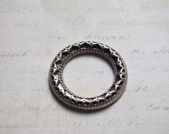 Large round ring with geometric silver 34mm