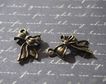 2 charms 16x25mm bronze metal ribbon bow