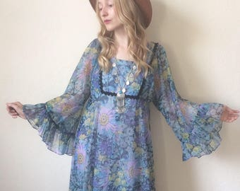 Vintage 70s Angel Sleeve Maxi Dress