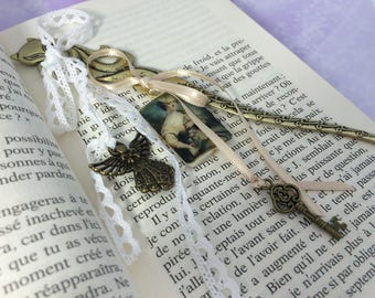 bookmarks baroque brass Lady of the past