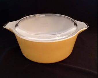 Pyrex Yellow 2 1/2 Quart Round Covered Casserole