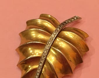1940s Trifari Alfred Phillippe dress clip