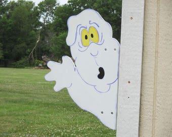 Ghost Yard Sign Peeker