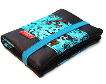 Small women's wallet in black leatherette, Wallet with elastic closure, African fabric wallet, Colorful wallet, Wallet with card holder