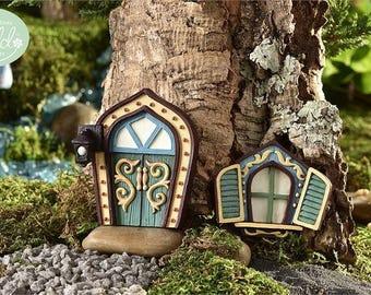Fairy Garden  - Glow-In-The-Dark Green Scroll Fairy Door & Window - Miniature