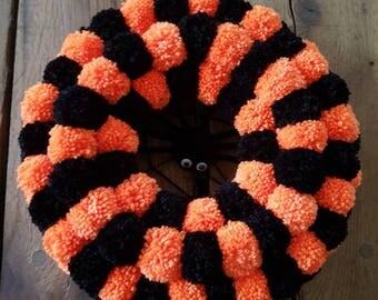 Pompom wreath, pom pom wreath, Halloween decoration, festive wreath, autumn wreath, fall wreath, fall decor, Halloween wreath, spider wreath