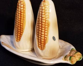 Corn on Cob Salt and Pepper Shakers (1063)