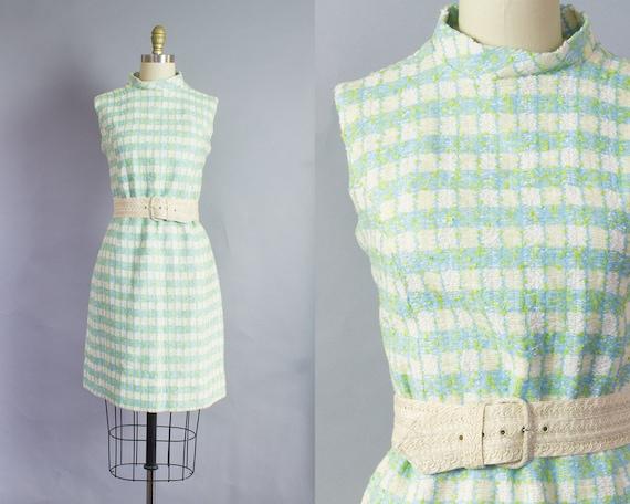 1960s Nubby Wool Shift Dress   Medium (36B/36W/40H)