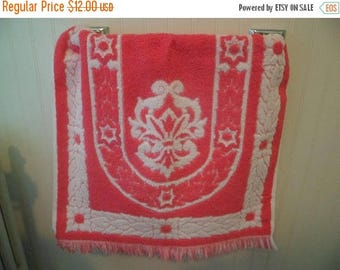3 Day SALE Vintage Mid Century Fieldcrest Hand Towel For Bath~Pink White Sculpted Flowers Made USA