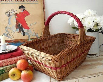 Pretty vintage shopping basket, wicker basket