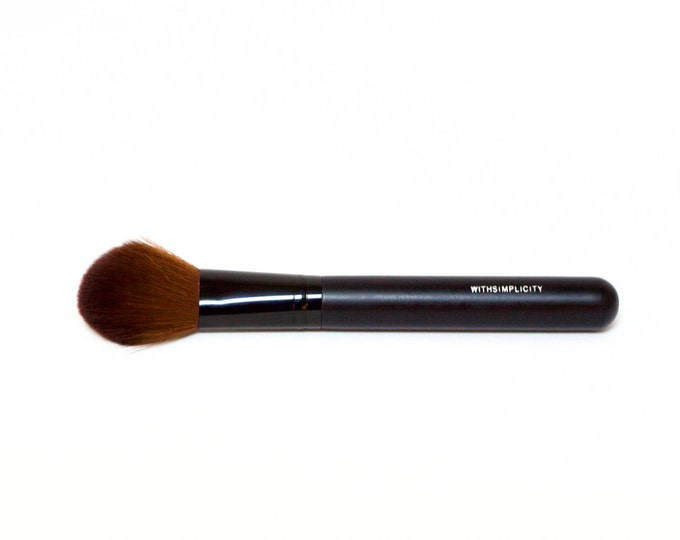 Large Pointed Face Brush