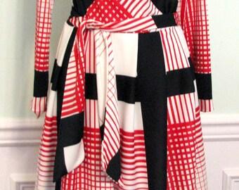 Vintage Dress Bleeker Street Mod Jonathan Logan 1970s Red White Black