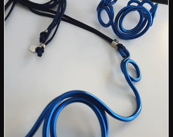 Blue Aluminium wire Necklace-central circle-Single Piece-Original-Contemporary jewels-modern jewels-eccentric