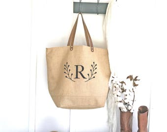 Personalized Bridesmaid Tote Bags | Monogrammed Bridesmaid Gift | Burlap Tote Bags | Wedding Bridal Party Totes | Gifts for Bridesmaids